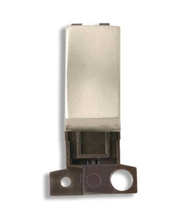 Ingot 10a 3 Pos Retractive Switch - Brushed Steel