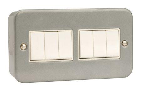 Click Essentials Metal Clad 10a 4 Gang 6 Way Switch   CL105