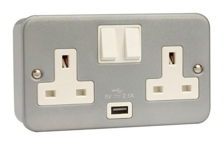 Click Essentials Metalclad USB Double Switched Socket | CL770