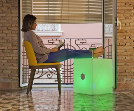 Be Happy Cuby 45 Outdoor RGB Illuminated Cube & Bluetooth Speaker | LUMCBP45WLNW